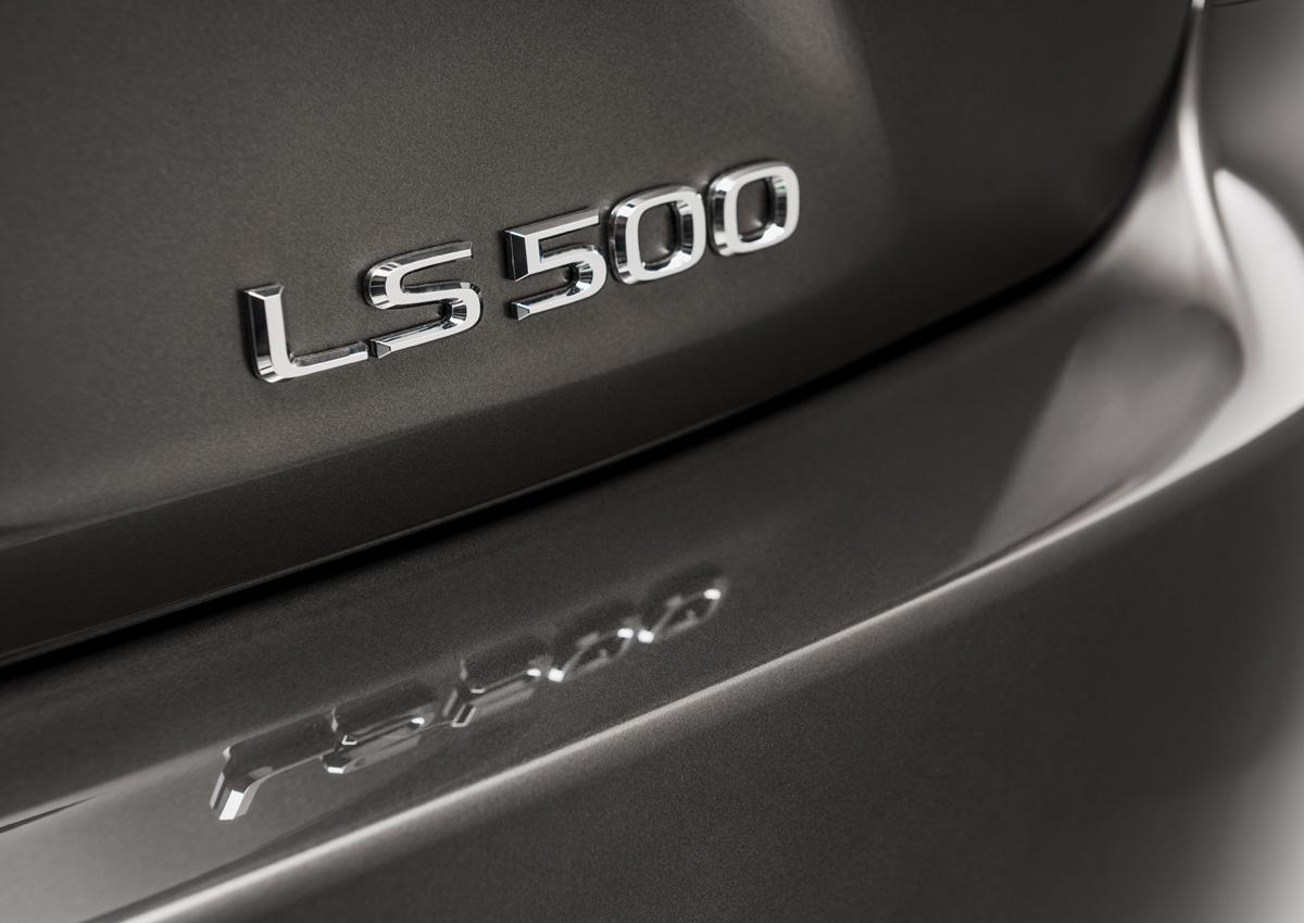 19-lexus-LS500-4