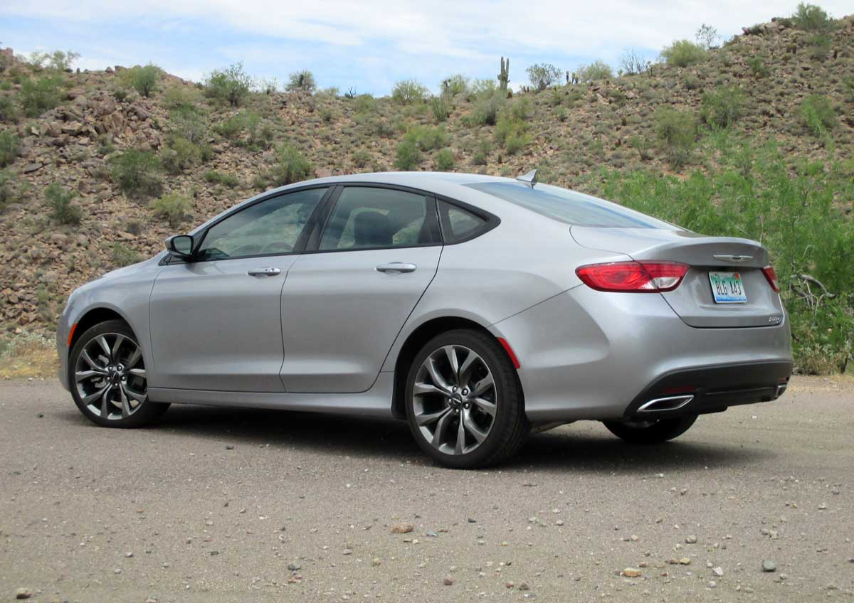 Test Drive: 2015 Chrysler 200S - TestDriven.TV