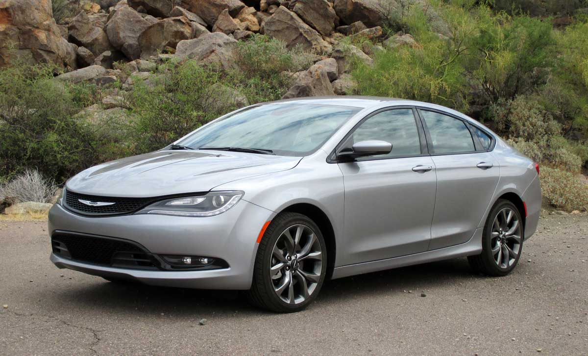 test drive 2015 chrysler 200s testdriven tv. Black Bedroom Furniture Sets. Home Design Ideas
