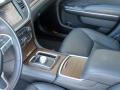 15-Chrysler-300C-16