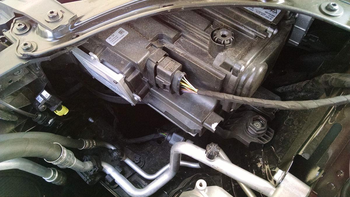 16 Audi Q3 Engine 6