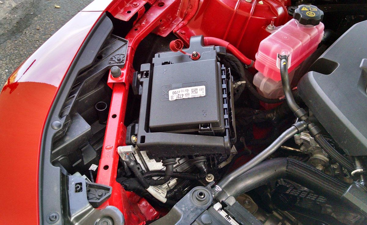 Under The Hood: 2016 Chevrolet Camaro 3.6 V6 - TestDriven.TV