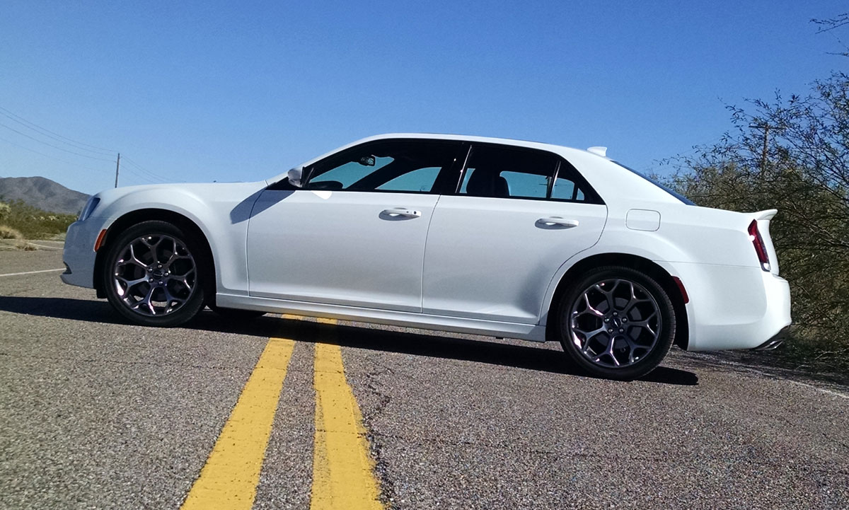 first drive 2016 chrysler 300s testdriven tv. Black Bedroom Furniture Sets. Home Design Ideas