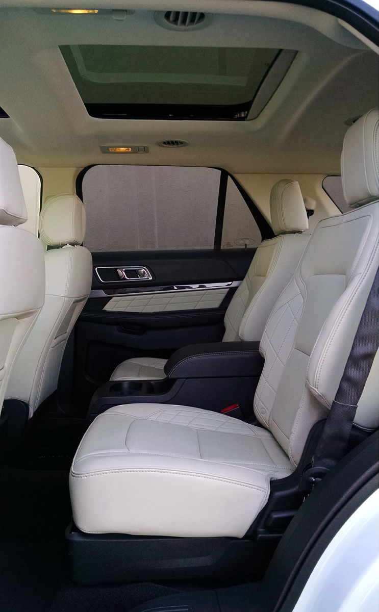 ford explorer with captain chairs chairs seating. Black Bedroom Furniture Sets. Home Design Ideas