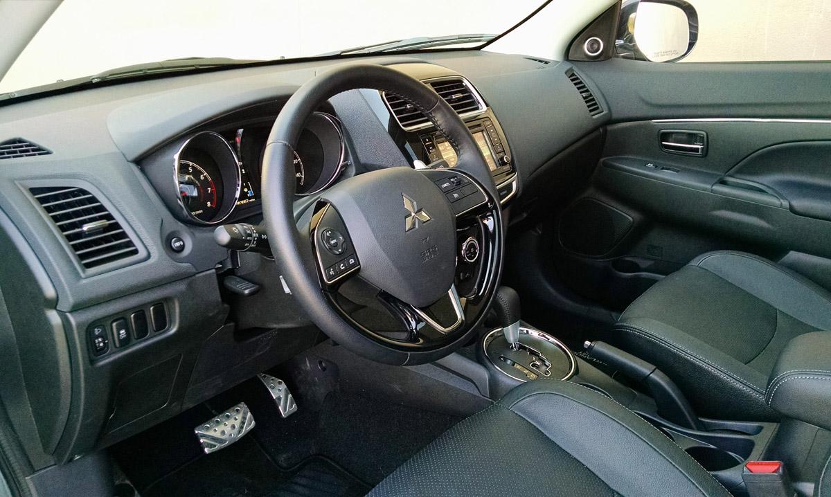 16-Mitsubishi-Outlander-Sport-11