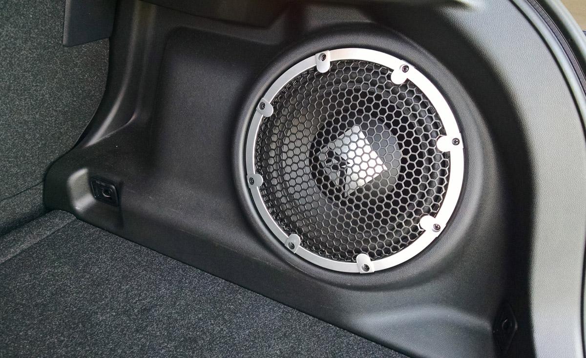 16-Mitsubishi-Outlander-Sport-16