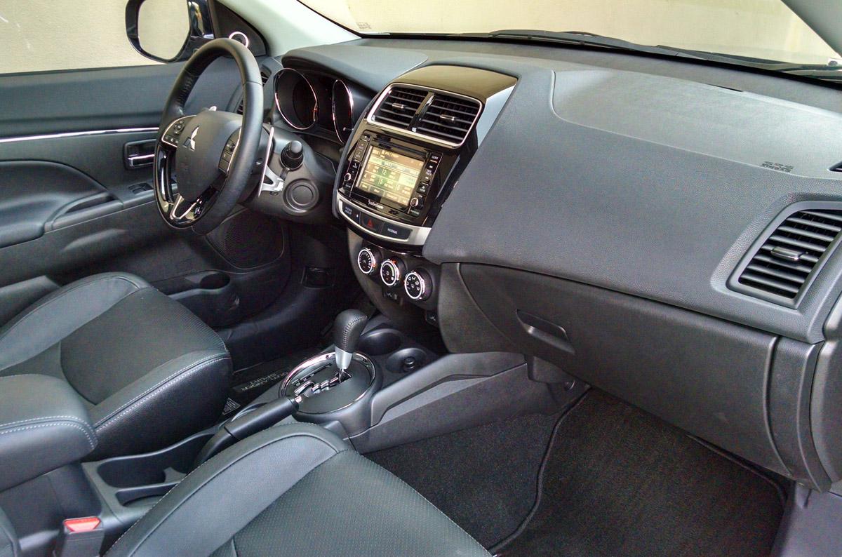 16-Mitsubishi-Outlander-Sport-20