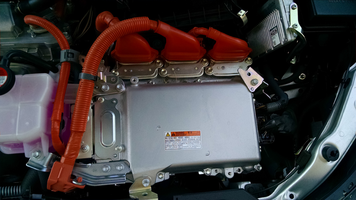 16 Toyota Rav4 Hybrid 23