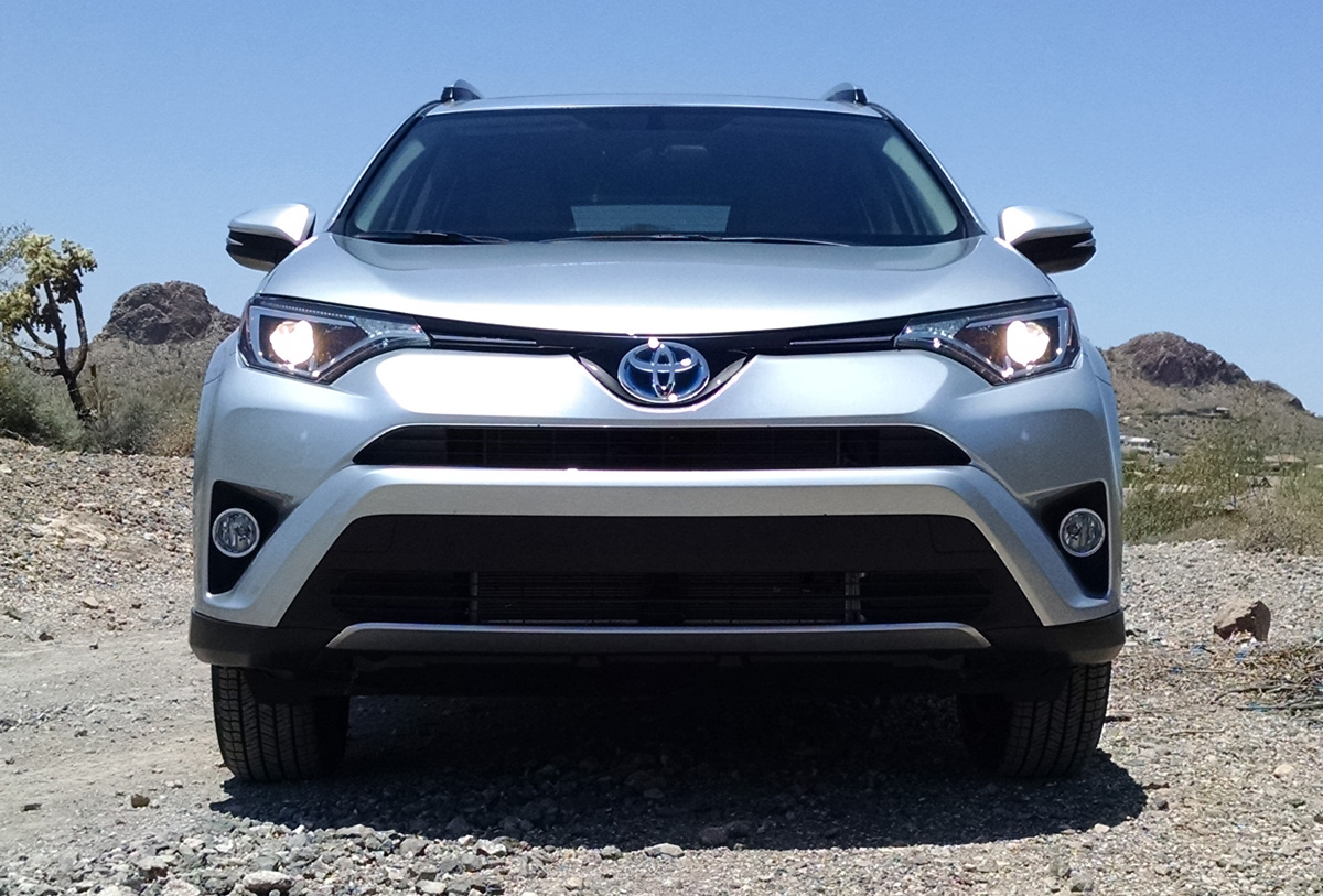 test drive 2016 toyota rav4 hybrid testdriven tv. Black Bedroom Furniture Sets. Home Design Ideas