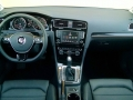 16-Volkswagen-Golf-11