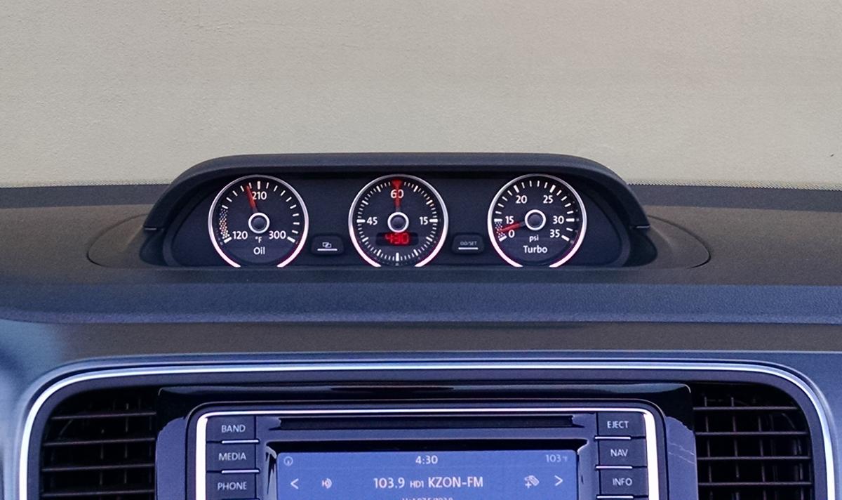 16-VW-Beetle-Convertible-13