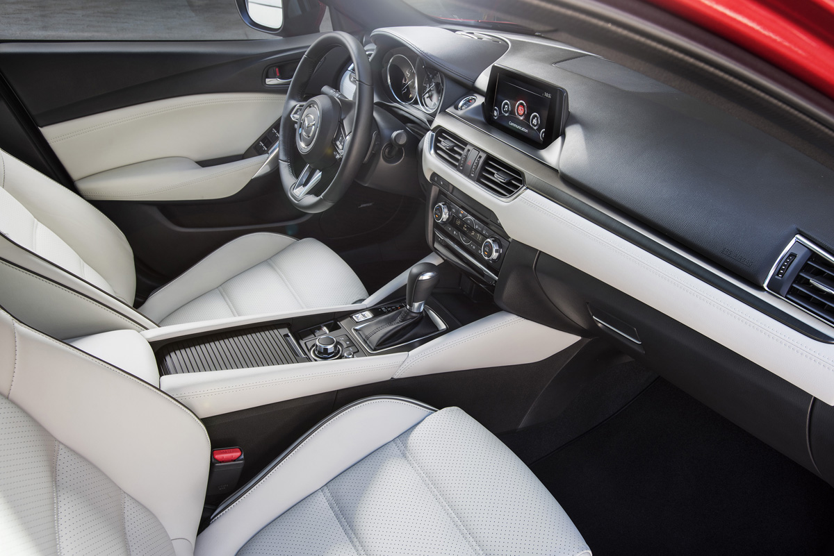 2017_Mazda6_23