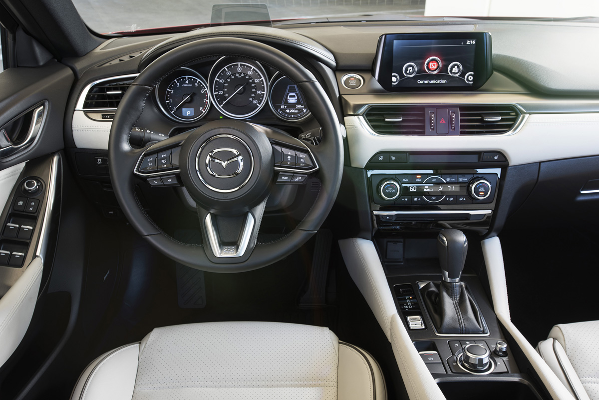 2017_Mazda6_24