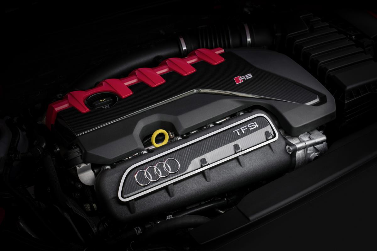 18-Audi-RS3-15