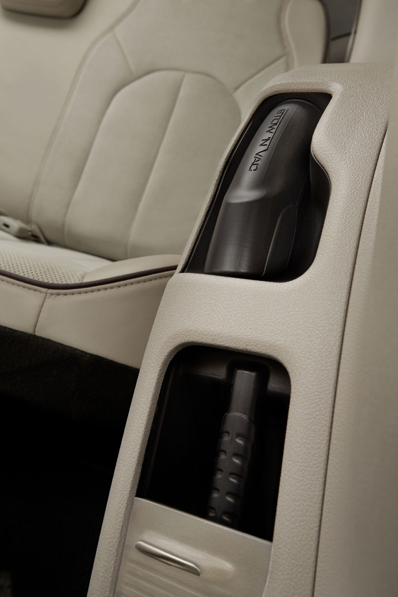 First Drive: 2017 Chrysler Pacifica - TestDriven.TV
