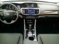 17-Honda-Accord-Hybrid-9