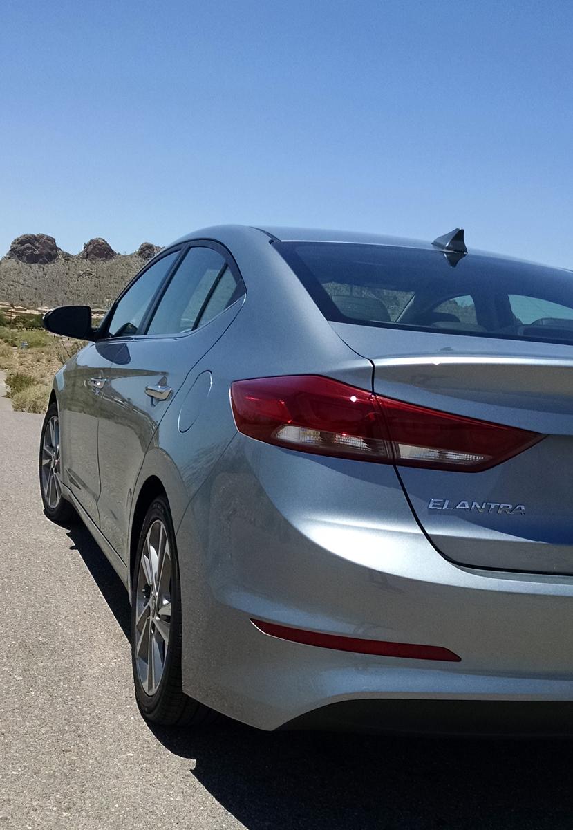 17-Hyundai Elantra-04