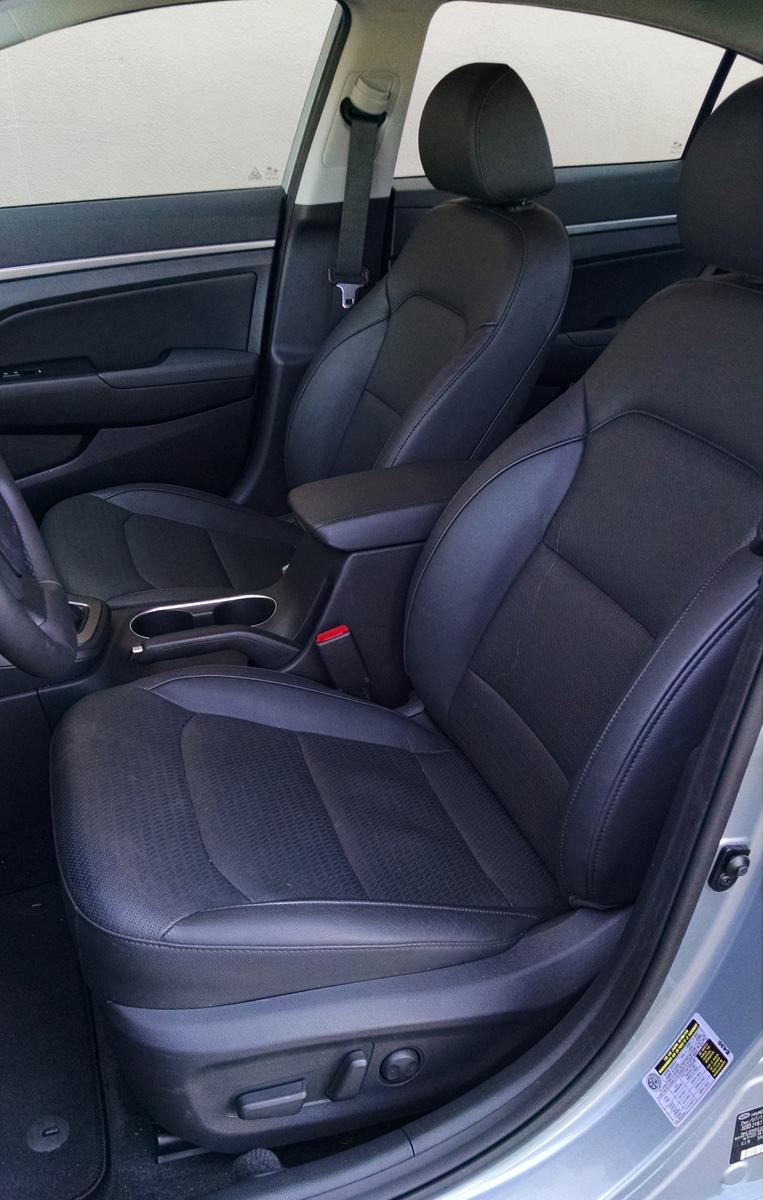 17-Hyundai Elantra-12