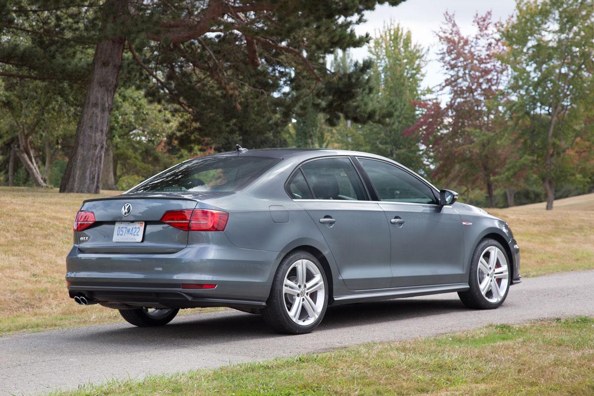 Jetta Gli Review >> Quick Drive: 2017 Volkswagen Jetta GLI - TestDriven.TV