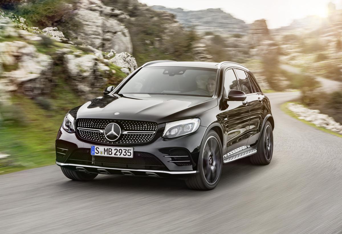 17-Mercedes-AMG-GLC43-1