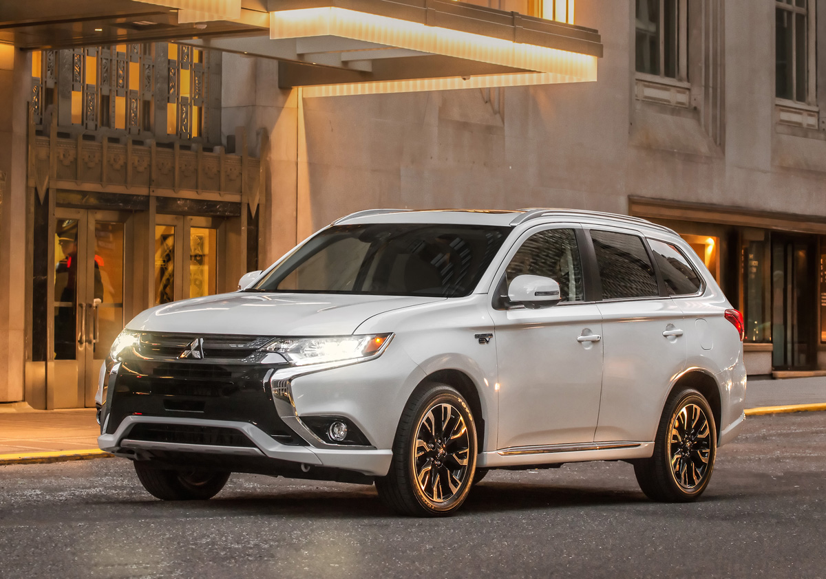 First Look 2017 Mitsubishi Outlander Phev Testdriven Tv