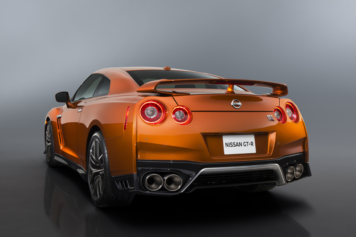 2017 Nissan Gtr First Look Wallpaper Hd: First Look: 2017 Nissan GT-R