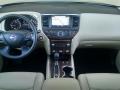 17-Nissan-Pathfinder-13