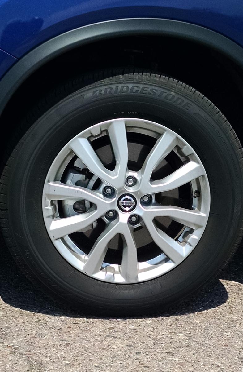 17-Nissan-Rogue-Hybrid-3