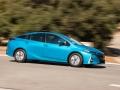 17-Toyota-Prius-Prime-2