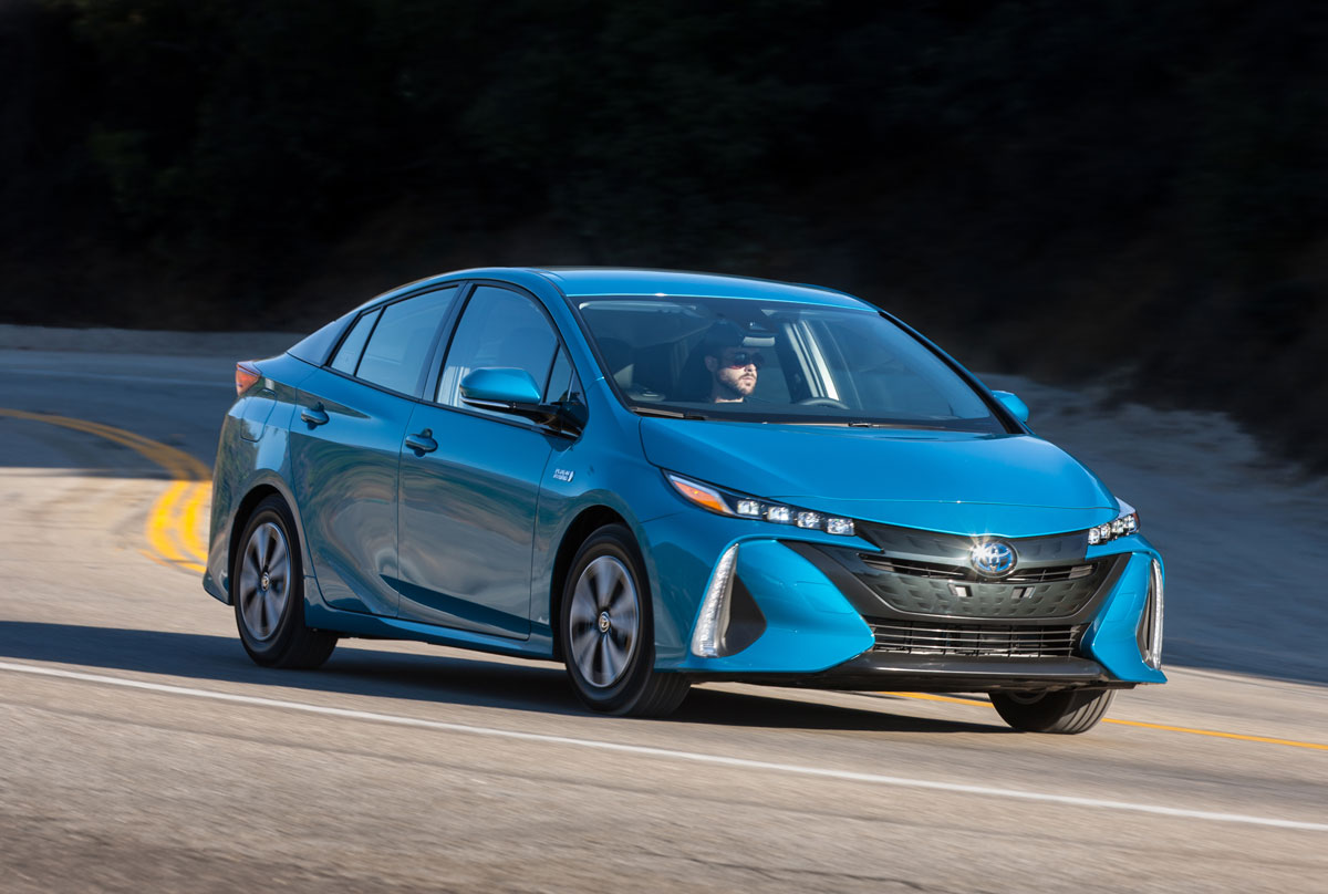 First Drive: 2017 Toyota Prius Prime - TestDriven.TV