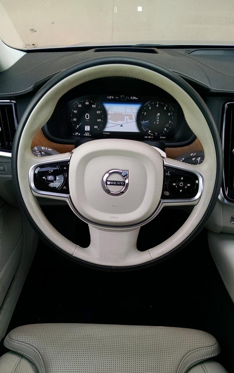 17-Volvo-S90-16