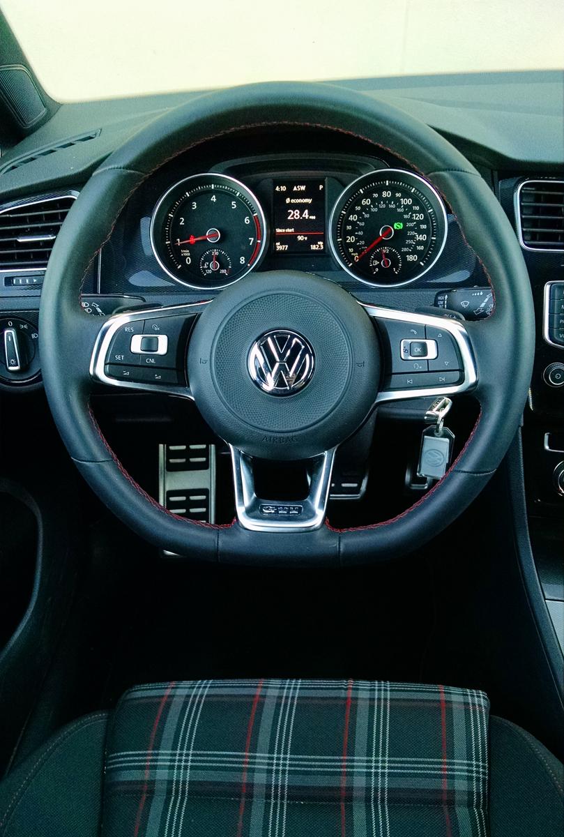 17-VW-GTI-16