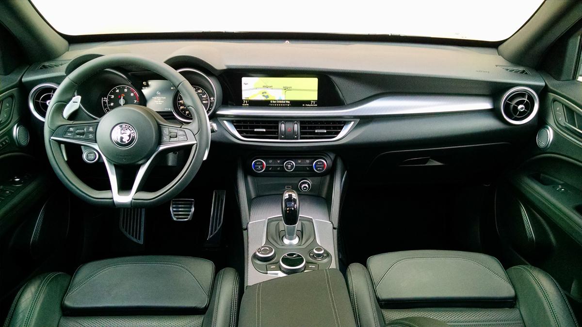 18-Alfa-Romeo-Stelvio-13