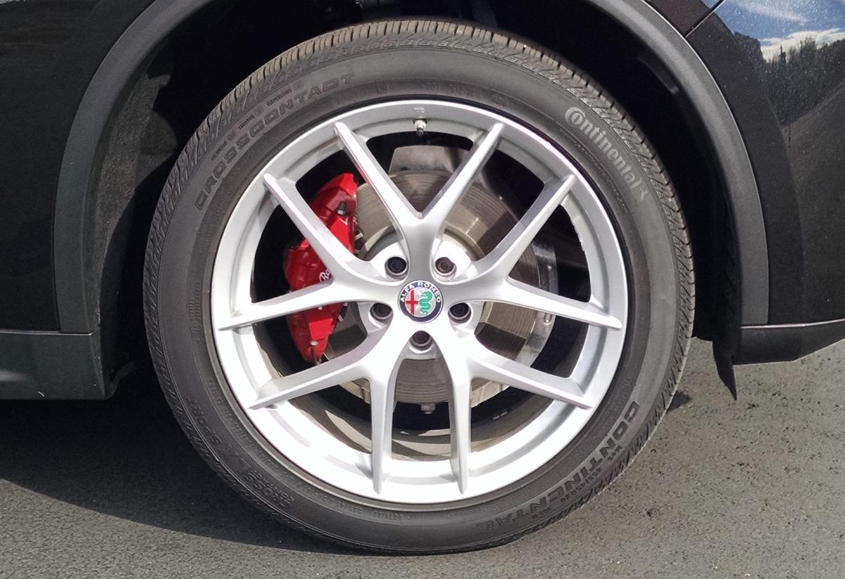 18-Alfa-Romeo-Stelvio-8