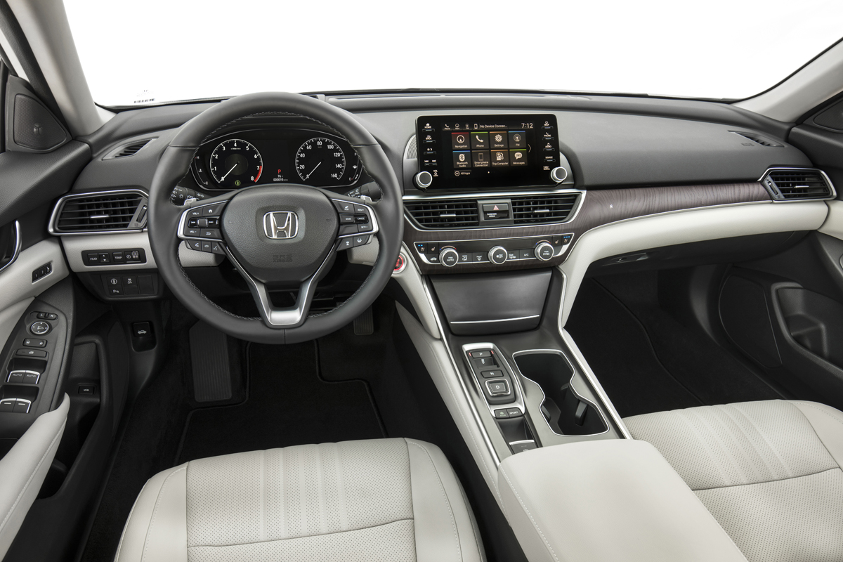 19  - 2018 Honda Accord Touring