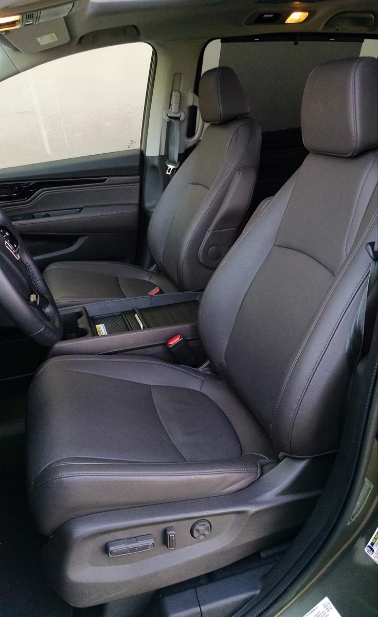 18-Honda-Odyssey-11