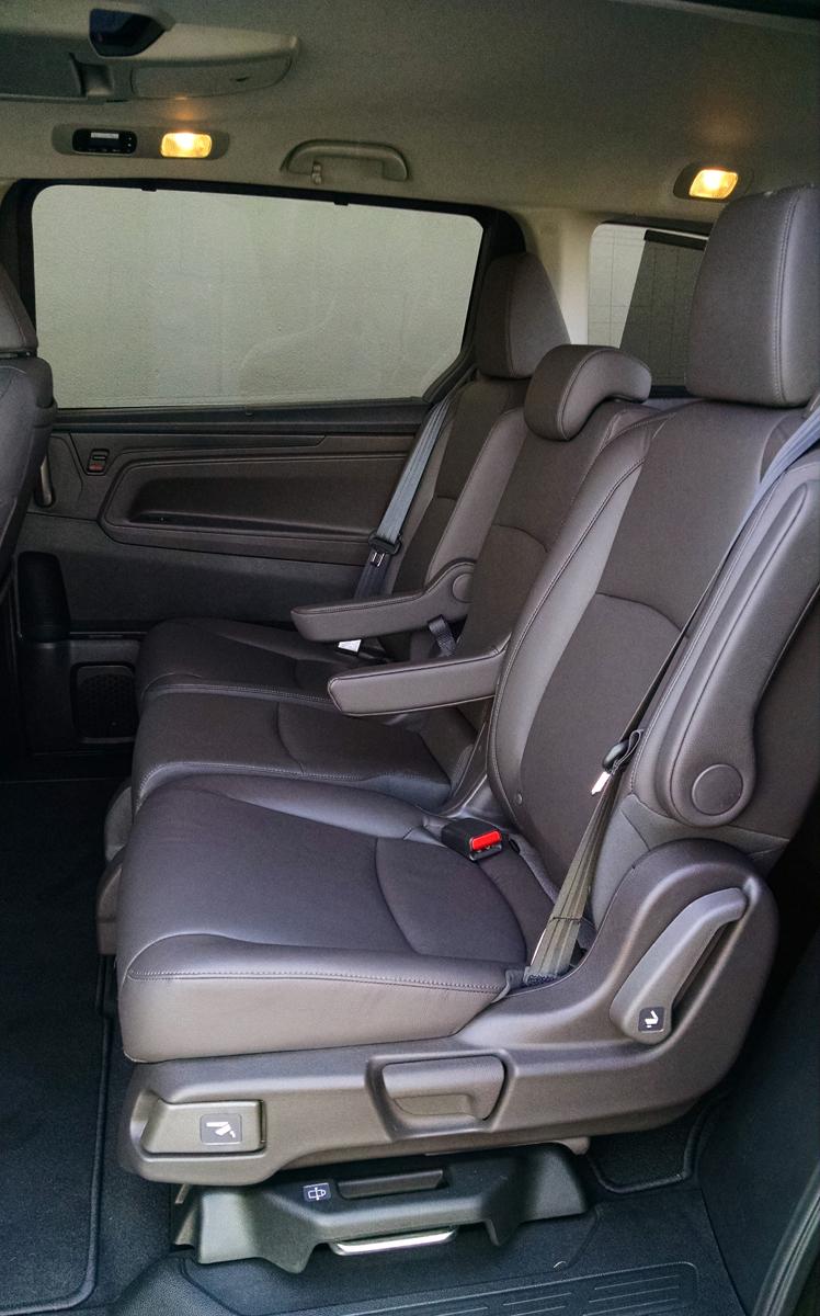 18-Honda-Odyssey-12
