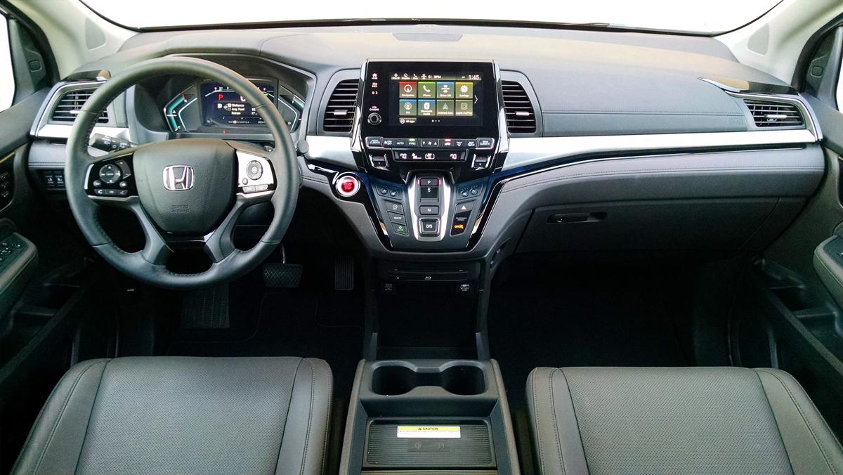 18-Honda-Odyssey-15