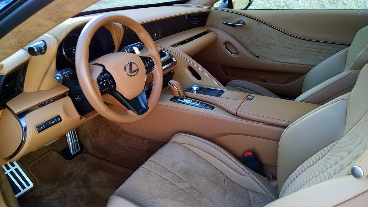 18-Lexus-LC500H-2