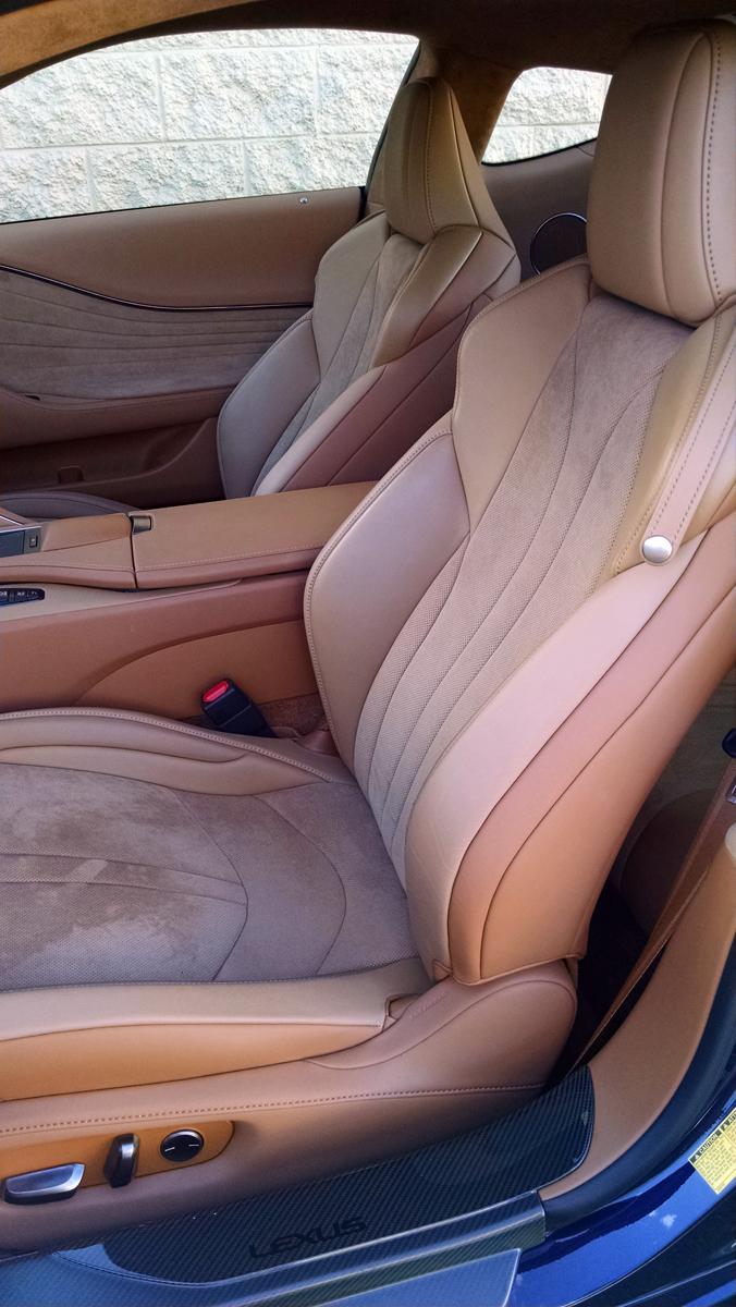 18-Lexus-LC500H-3