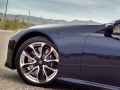18-Lexus-LC500H-19