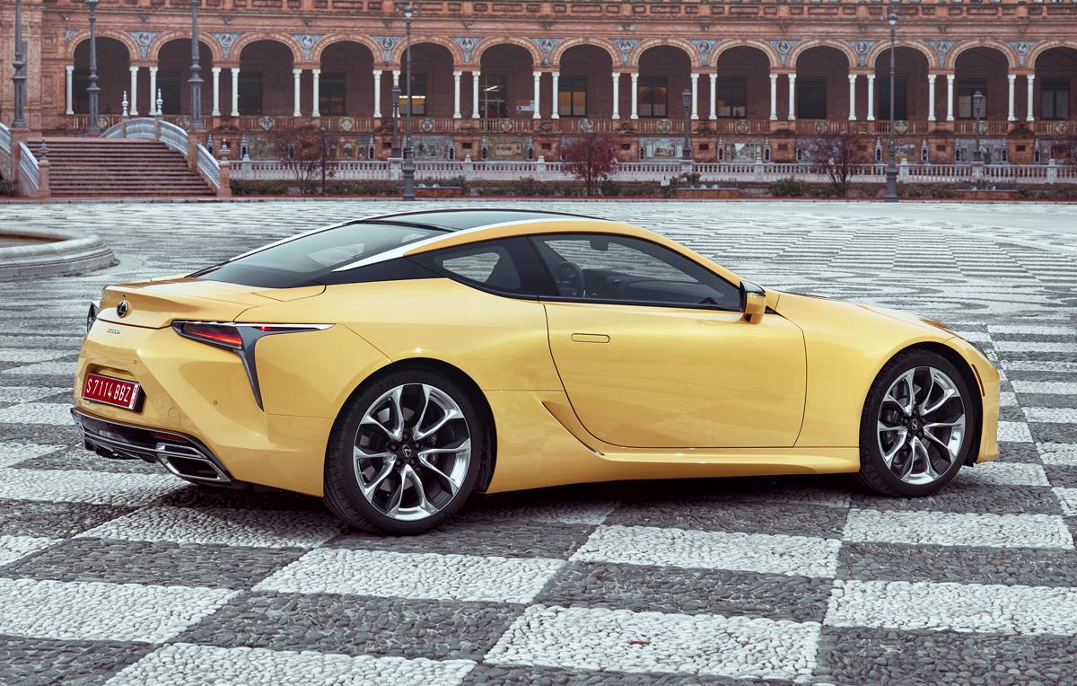 18-Lexus-LC-3