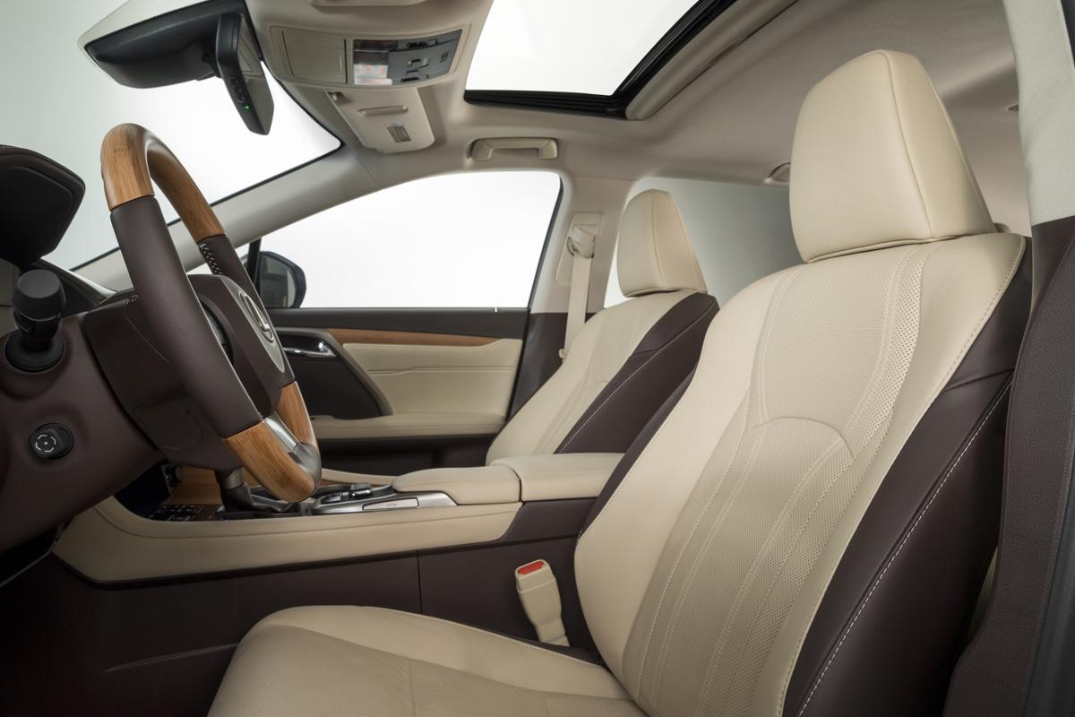 18-Lexus-RX-350L-10