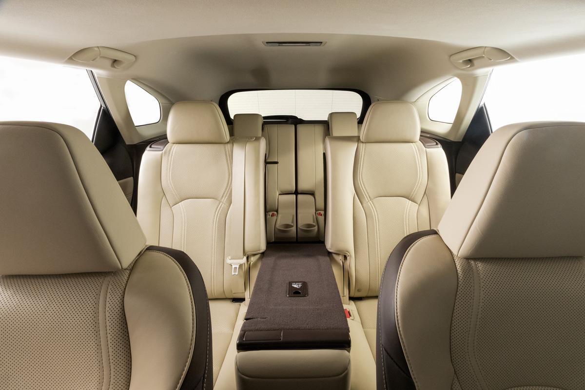 18-Lexus-RX-350L-12