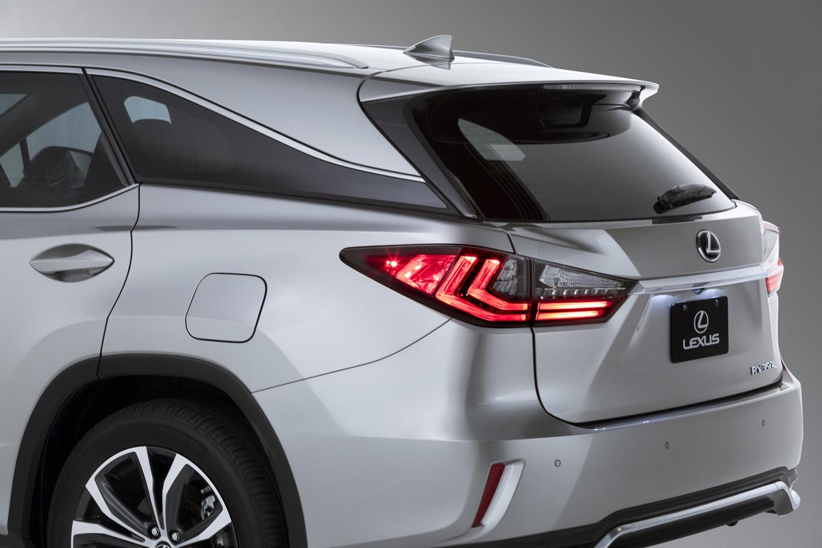 18-Lexus-RX-350L-3
