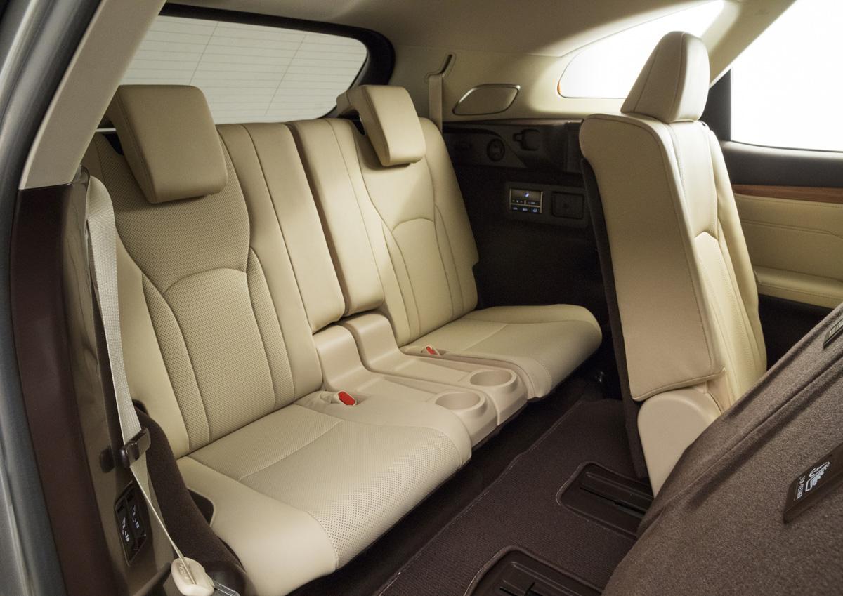18-Lexus-RX-350L-6