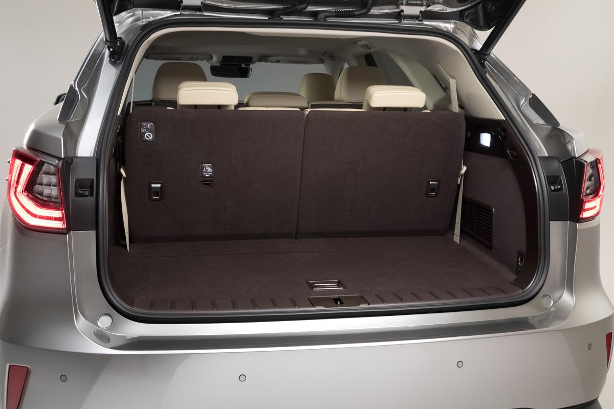 18-Lexus-RX-350L-7