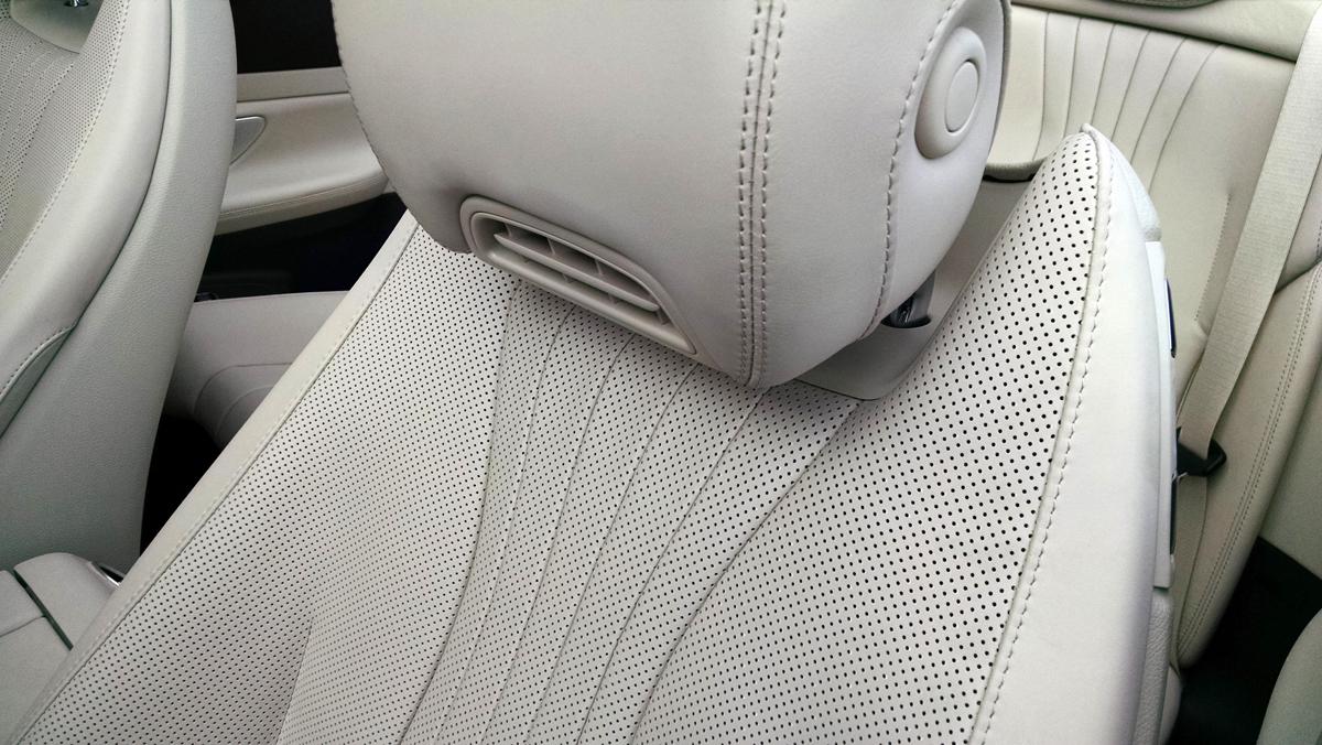 18-Mercedes-Benz-E400-Cabriolet-3