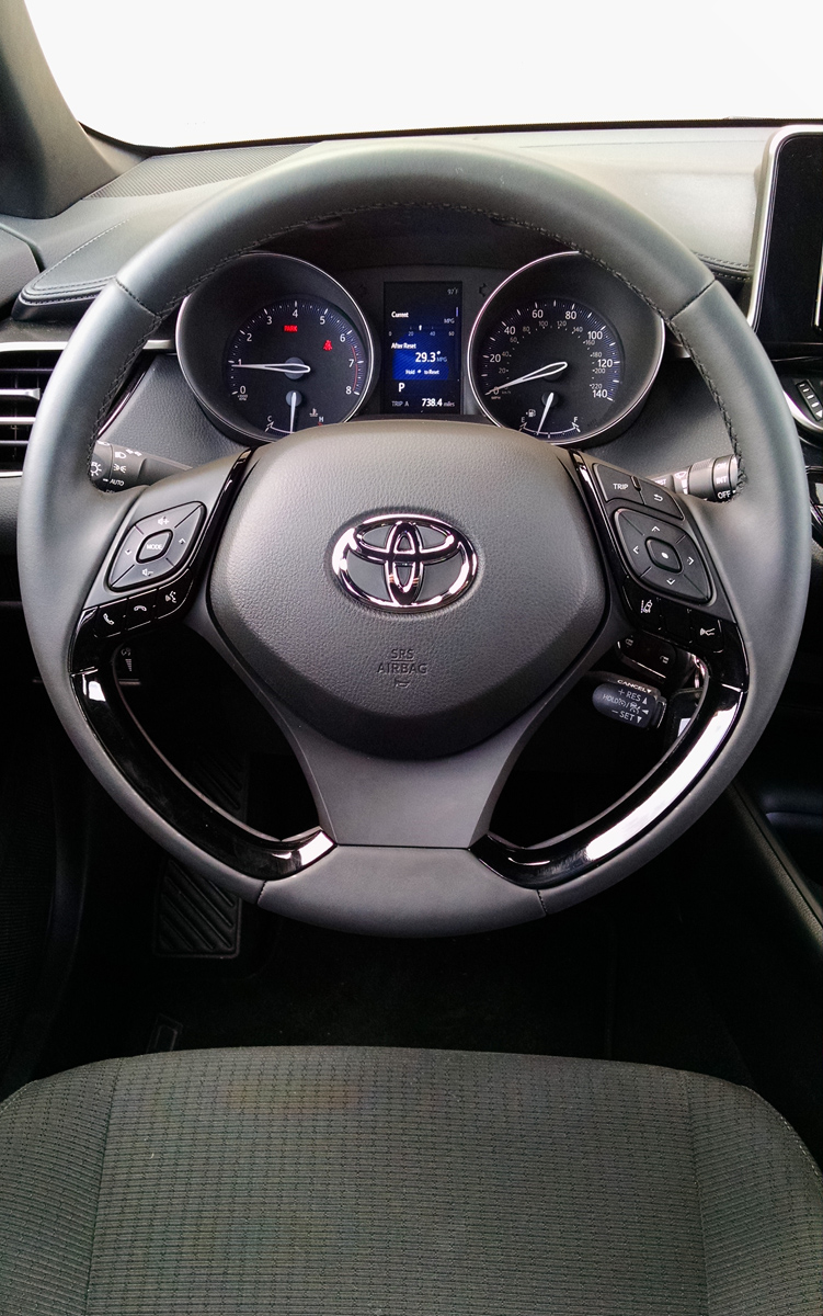 18-Toyota-CHR-16