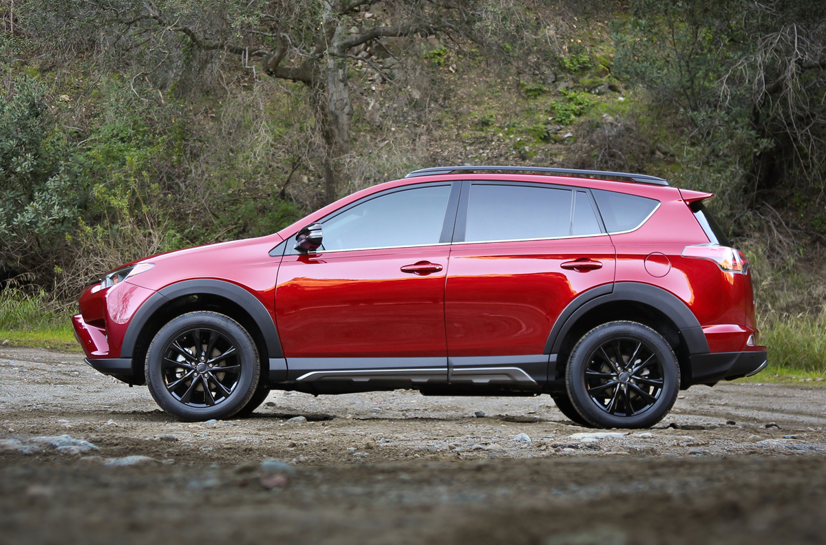 2018_Toyota_RAV4_Adventure_5